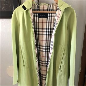 sale 🔥Pale lime green Burberry rain coat